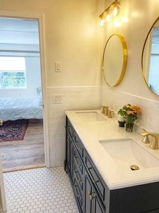 Oak Bluffs Martha's Vineyard vacation rental - En suite with dual vanity sinks