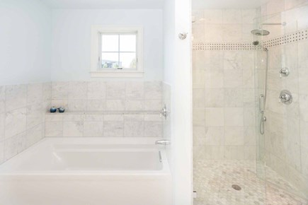Edgartown Martha's Vineyard vacation rental - Master Bath