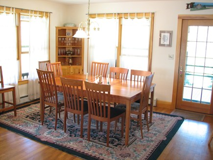 Vineyard Haven, Lower Makonikey, off Lambert's Martha's Vineyard vacation rental - Dining room table expands to seat 10