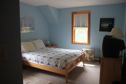 Vineyard Haven, Lower Makonikey, off Lambert's Cove Rd Martha's Vineyard vacation rental - Queen bedroom