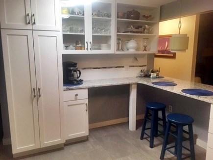 Edgartown Martha's Vineyard vacation rental - Kitchen with breakfast bar