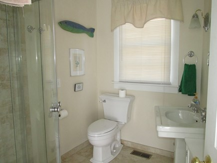 Edgartown - In town Martha's Vineyard vacation rental - Bath 1 of 4