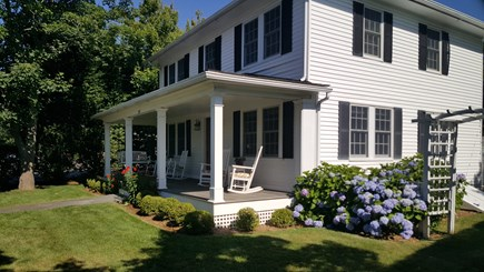 Edgartown - In town Martha's Vineyard vacation rental - Front Porch