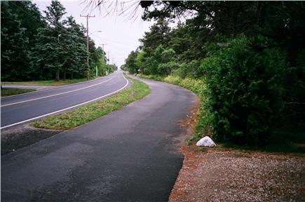 Katama - Edgartown Martha's Vineyard vacation rental - Bike Path at Foot of Driveway
