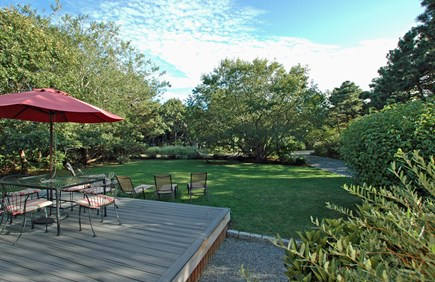 Katama - Edgartown, South Beach Martha's Vineyard vacation rental - Al fresco dining and relaxing: savor the sun and ocean breezes.