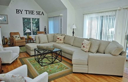 Katama - Edgartown, South Beach Martha's Vineyard vacation rental - Expansive great room, relaxing and comfortable seating.