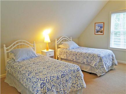 Edgartown Martha's Vineyard vacation rental - Bright and cheery twin bedroom upstairs