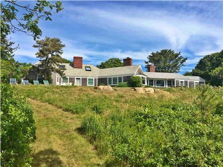 Click here to see a video of this Chilmark vacation rental.