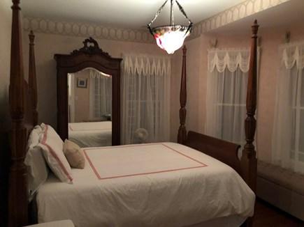 Oak Bluffs Martha's Vineyard vacation rental - The Red Room