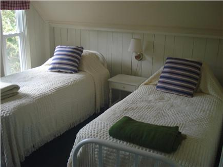 Oak Bluffs, East Chop Martha's Vineyard vacation rental - Yellow Double Twin Bedroom, Closet, Shared Bureau.