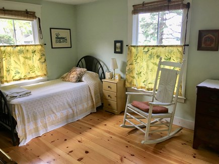 Oak Bluffs Martha's Vineyard vacation rental - Downstairs twin with trundle