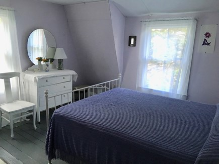 Oak Bluffs Martha's Vineyard vacation rental - Queen bedroom upstairs