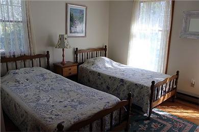 Katama - Edgartown Martha's Vineyard vacation rental - First floor bedroom- two twins