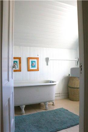 Oak Bluffs Martha's Vineyard vacation rental - Upstairs bath with claw foot tub