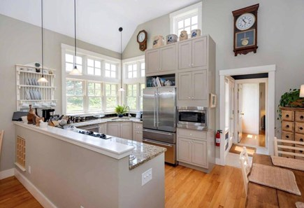 Edgartown Martha's Vineyard vacation rental - Brght Sunny Well Equipped Kitchen