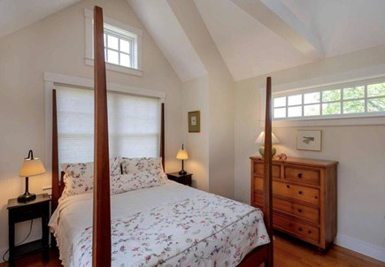 Edgartown Martha's Vineyard vacation rental - 2nd Master/Queen and Private bath and child's twin trundle bed