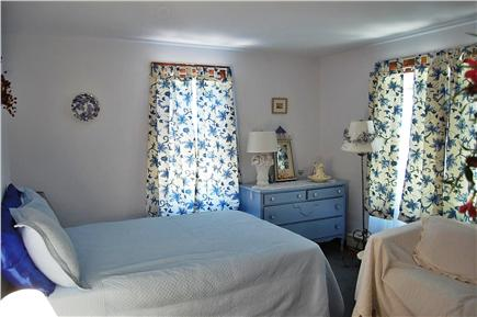 Oak Bluffs Martha's Vineyard vacation rental - Blue Room on 1st floor with double bed