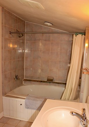 Aquinnah Martha's Vineyard vacation rental - Upstairs Bath for Two with Jets