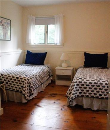 Chilmark Martha's Vineyard vacation rental - Twin bedroom upstairs