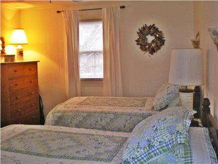 Vineyard Haven Martha's Vineyard vacation rental - Twin Bedroom