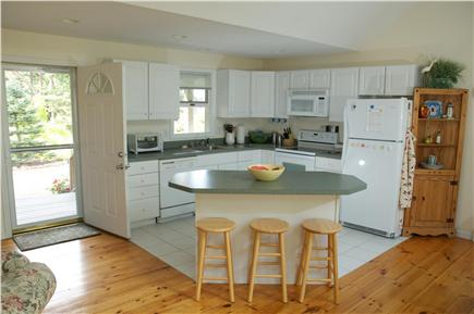 Edgartown Martha's Vineyard vacation rental - Kitchen area with island