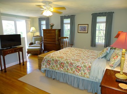 Nantucket town Nantucket vacation rental - Large first floor queen master with TV, sitting area