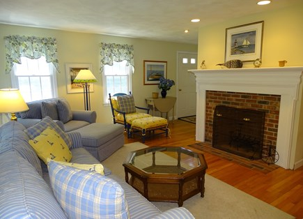 Nantucket town Nantucket vacation rental - Living room with comfortable seating, wood floors