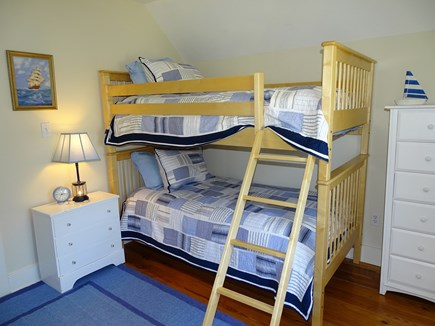 Nantucket town Nantucket vacation rental - Upstairs bunk bed room