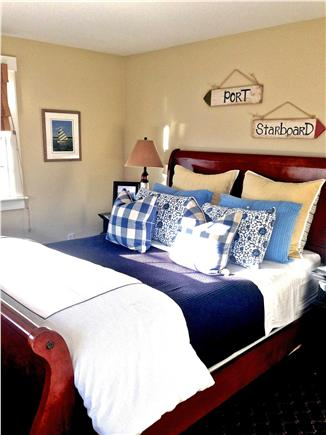 Mid-island - Naushop Nantucket vacation rental - Queen bedroom w/TV