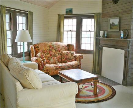 Brant Point Nantucket vacation rental - Guest House Living Room