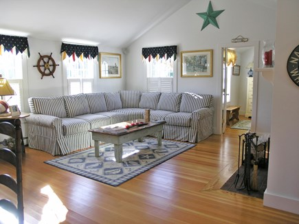 Brant Point Nantucket vacation rental - Living room with vaulted ceiling