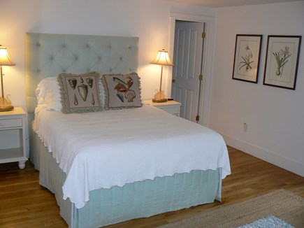 Brant Point Nantucket vacation rental - Queen Bedroom with ensuite bath tub and shower