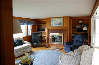 Mid-island Nantucket vacation rental - Living Room View
