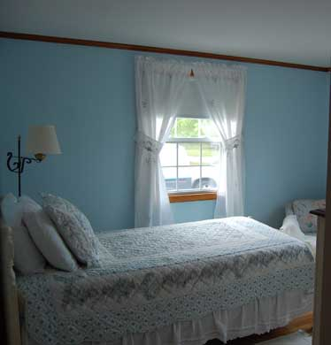 Mid-island Nantucket vacation rental - End Bedroom With Twin Bed