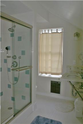 Nantucket town Nantucket vacation rental - Master Bathroom