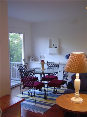 Quidnet-BOOK FERRY NOW!! Nantucket vacation rental - Cottage Living Room