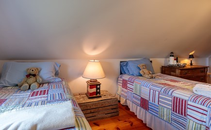 Quidnet Nantucket vacation rental - Upstairs bedroom with 2 twin beds