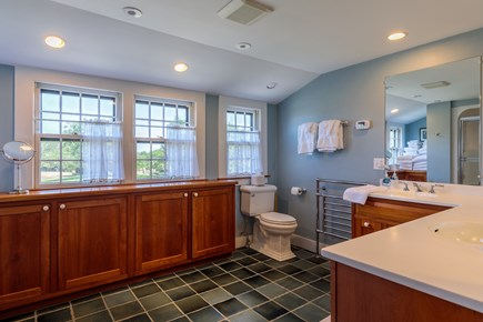 Quidnet Nantucket vacation rental - Upstairs Master bath