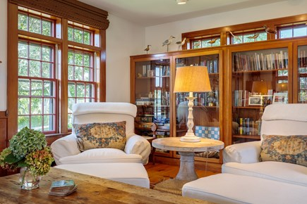 Quidnet Nantucket vacation rental - Relax with a good read