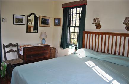 Nantucket town, Cliff Rd Nantucket vacation rental - The Master BR has a Queen bed, and great cross-ventilation.