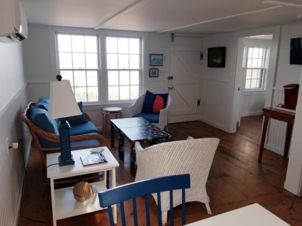 Nantucket town, Harborfront Nantucket vacation rental - Relax with the feel of ocean breezes thorugh the living area