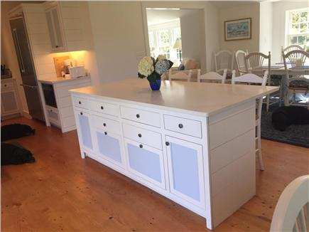 Siasconset Nantucket vacation rental - Breakfast bar between kitchen and dining room