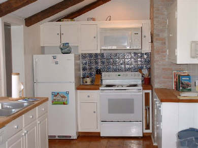 Siasconset Nantucket vacation rental - Bright and cheery kitchen
