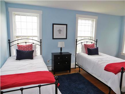 Mid-island, Naushop Nantucket vacation rental - Second bedroom with 2 twin beds