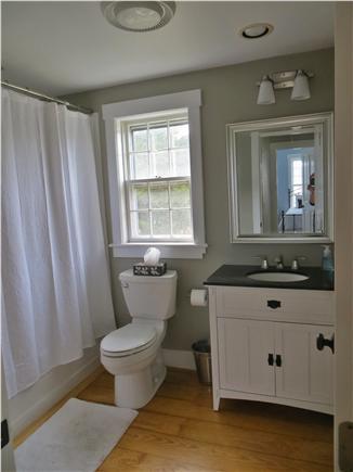 Mid-island, Naushop Nantucket vacation rental - Second floor full-bath