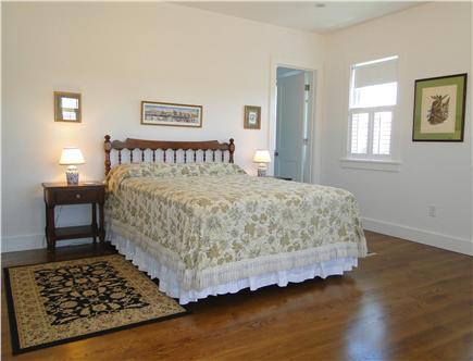 Nantucket town, Cliff Nantucket vacation rental - Upstairs queen bedroom with en suite marble bathroom