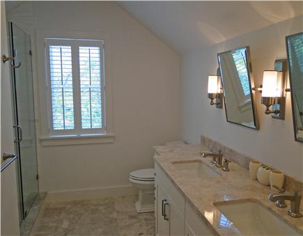 Nantucket town, Cliff Nantucket vacation rental - One of 4 en suite marble bathrooms