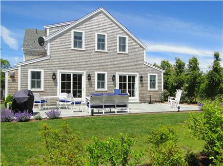 Nantucket town, Cliff Nantucket vacation rental - Back view of house and full width patio