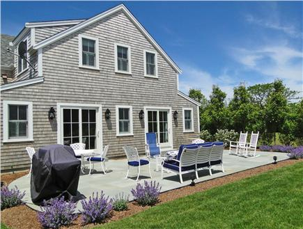 Nantucket town, Cliff Nantucket vacation rental - Large blue slate patio with grill