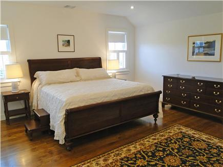 Nantucket town, Cliff Nantucket vacation rental - Upstairs king bedroom with en suite marble bathroom